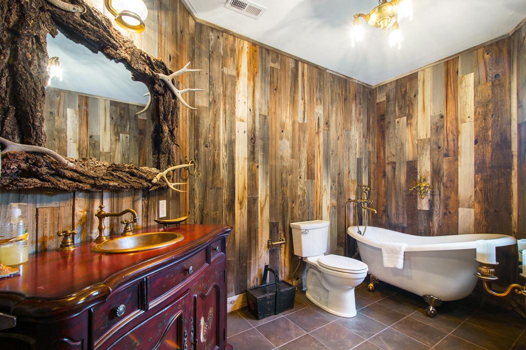 Superbe maison rustique de vacances dans la montagne for Salle de bain design bois