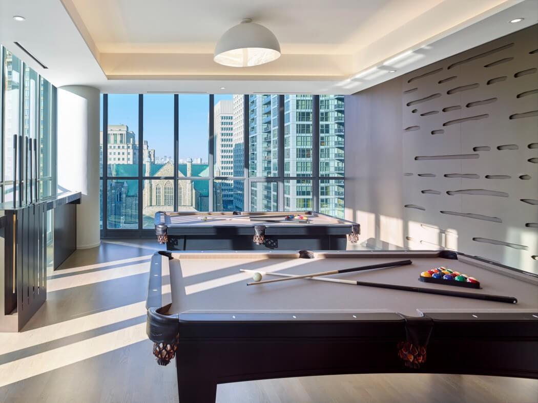 immeuble de prestige offrant un int rieur luxueux au centre ville de toronto vivons maison. Black Bedroom Furniture Sets. Home Design Ideas