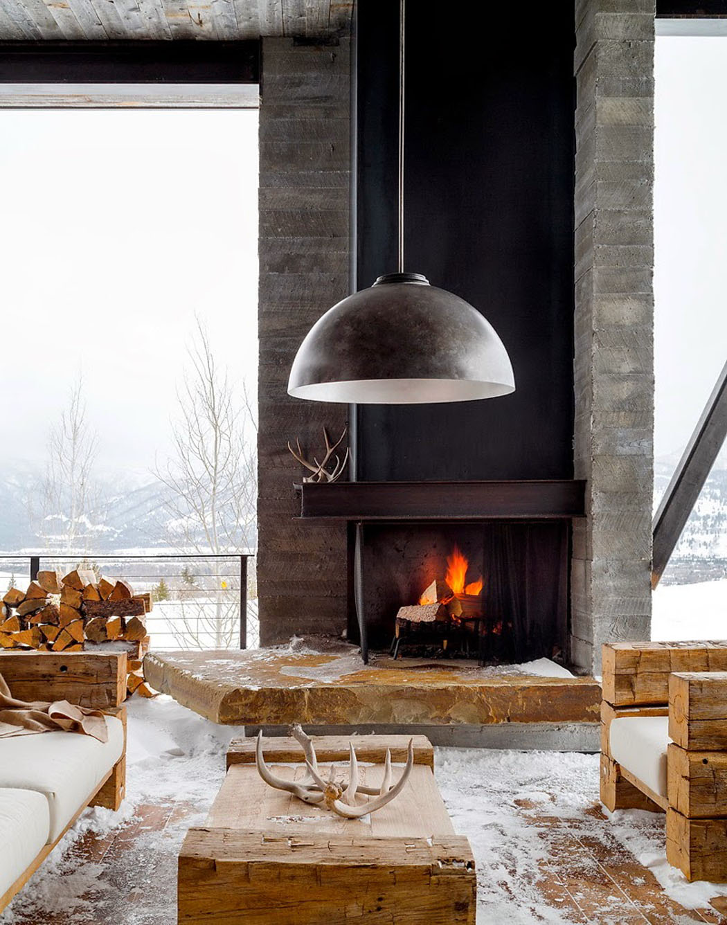 Une maison rustique modernisée dans l'esprit éclectique dans les ...
