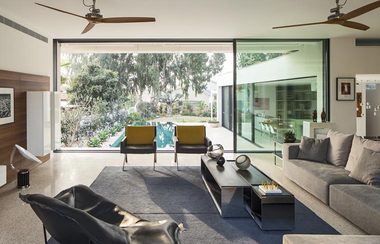 Superbe maison d architecte dans les environs de tel aviv for Architecture salon maison