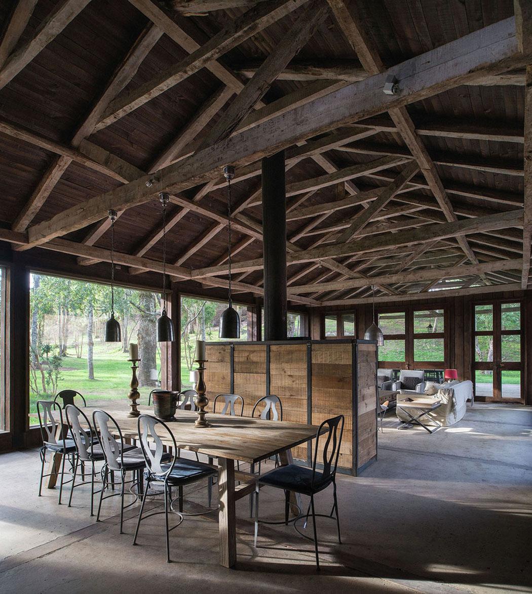 Interieur Rustic Moderne : Une grange en bois transformée jolie maison de vacances