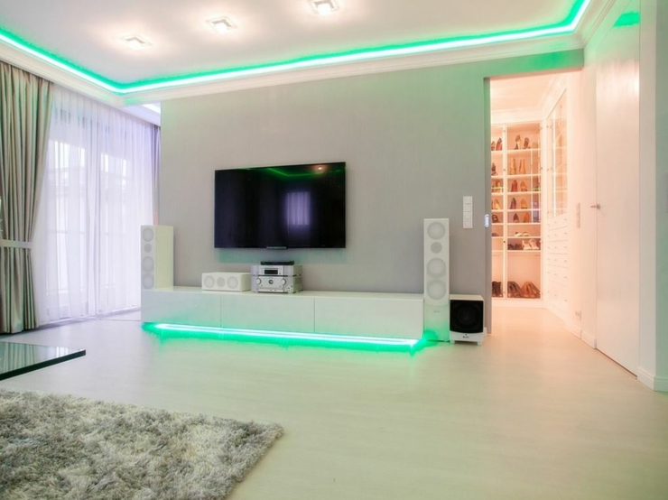 Appartement moderne au design pur en blanc varsovie - Couleur interieur maison moderne ...