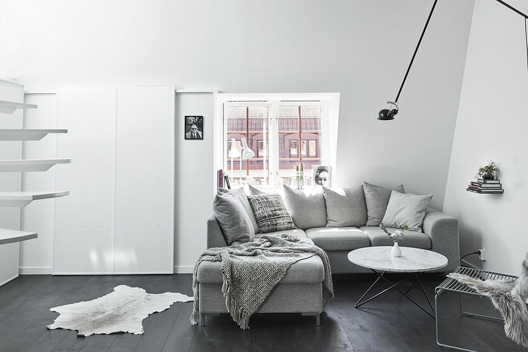 Bel appartement moderne sous le toit au design scandinave - Appartement moderne design scandinave alvhem ...