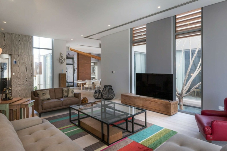 Maison d architecte dans une banlieue chic au bahre n for Sejour moderne design