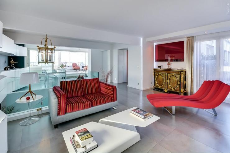 Appartement de luxe avec une vue imprenable sur paris for Mobilier sejour design