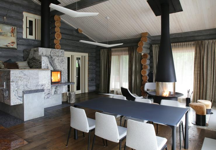 Belle et rustique maison en bois dans la r gion de moscou for Salle a manger de reve