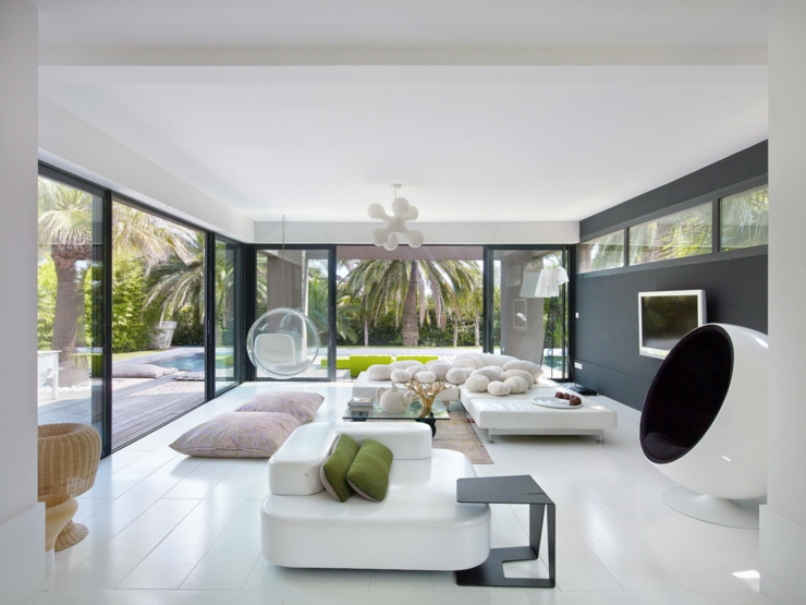 Splendide villa de r ve sur la c te d azur vivons maison for Interieur ultra design