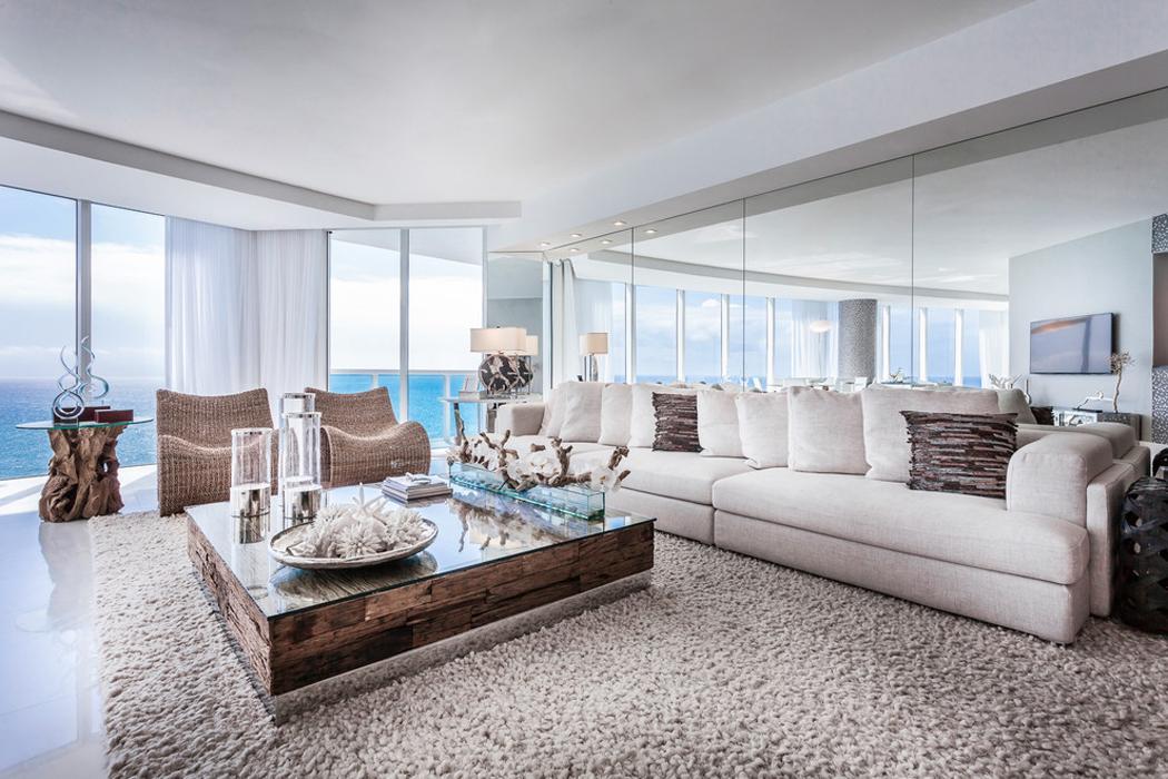 Appartement De Luxe Avec Belle Vue Sur L Eau Situe Sur La Cote En Floride Vivons Maison