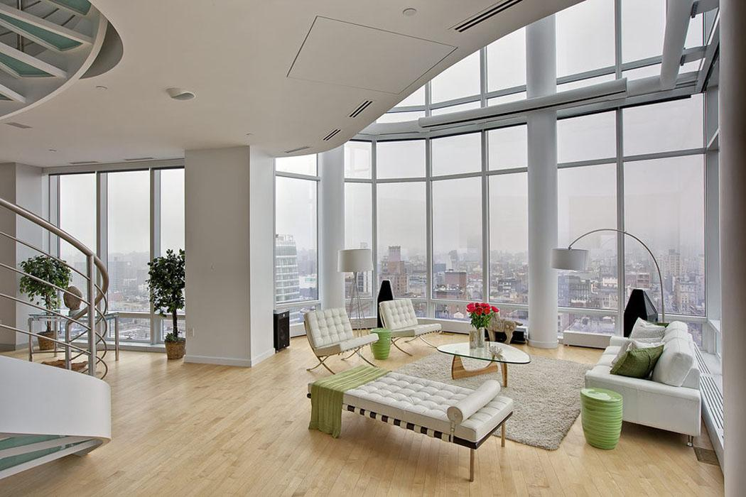 Duplex design luxe vue sur la ville