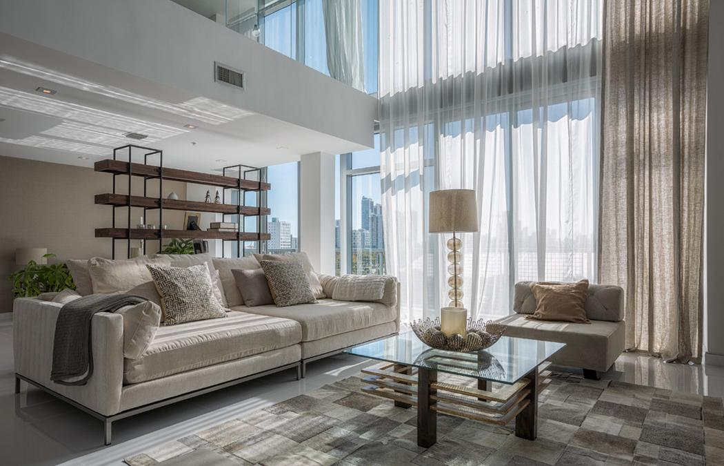 Bel appartement en duplex au design moderne situ miami for Household design curtain road