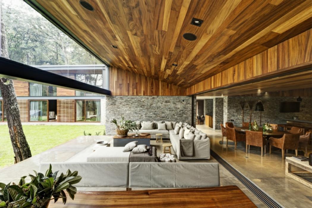 Deux maisons pour une seule belle demeure rustique for Avorter seule a la maison