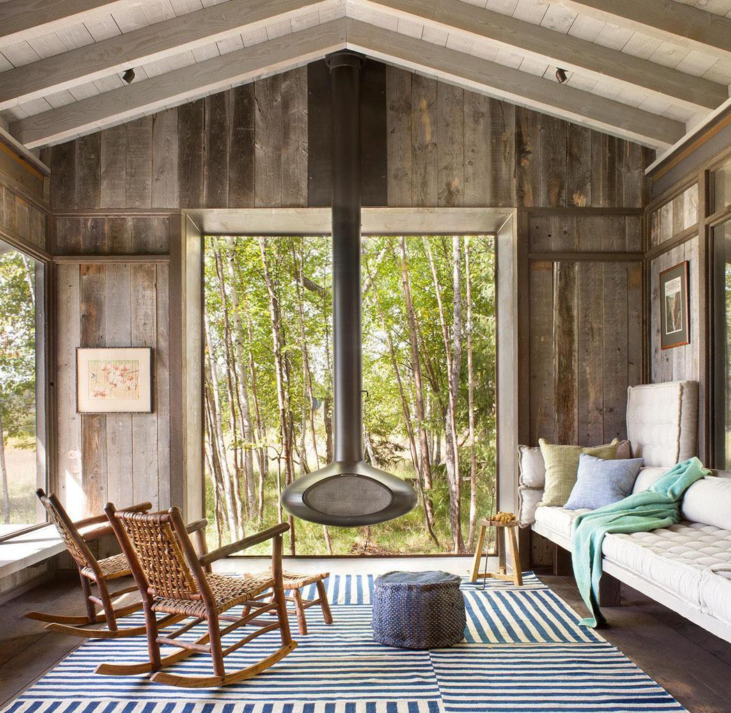 Superbe chalet rustique nich au c ur d un cadre verdoyant - Chalet rustique montana pearson design group ...