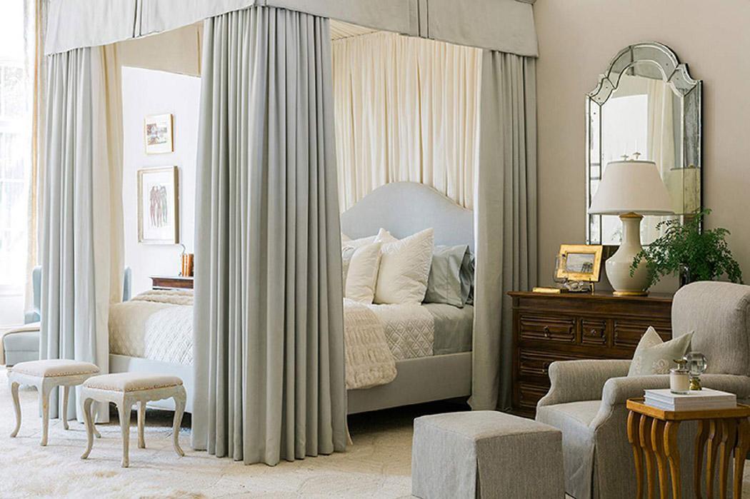 lit à baldaquin moderne luxe design