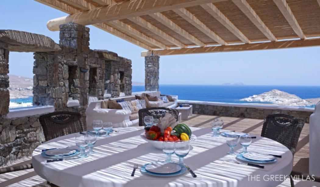 vacances en gr ce dans une villa en blanc et bleu vivons. Black Bedroom Furniture Sets. Home Design Ideas