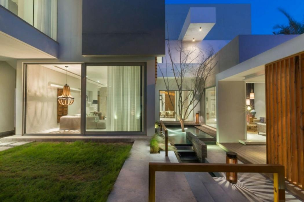 maison d architecte dans une banlieue chic au bahre n. Black Bedroom Furniture Sets. Home Design Ideas
