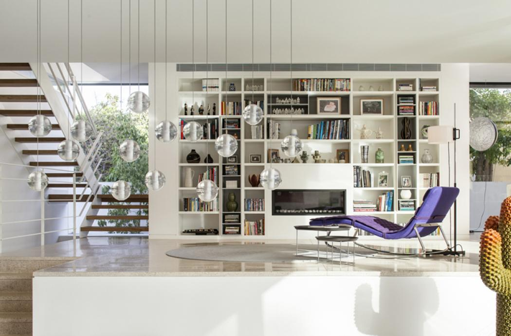 Superbe maison d architecte dans les environs de tel aviv for Interieur maison contemporaine architecte