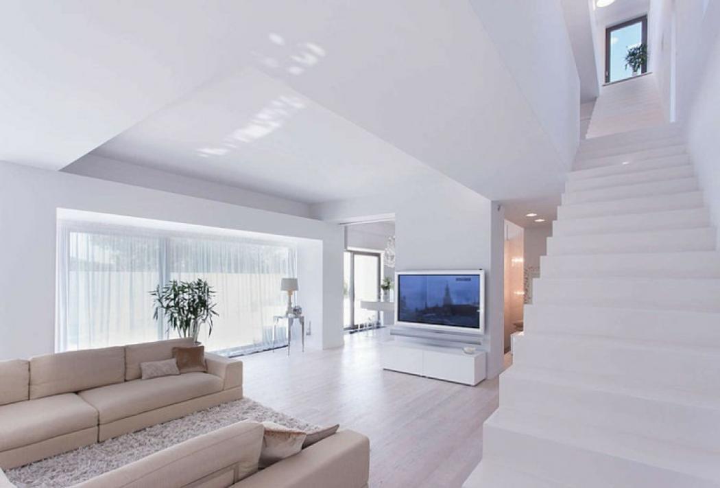 architecture d'intérieur en blanc contemporain