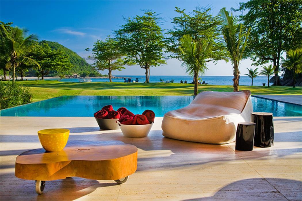 Belle maison moderne sur la côte