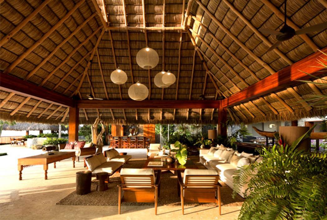 Maison familiale aux allures d une ville de vacances au - Une maison larchitecture tres originale au mexique ...
