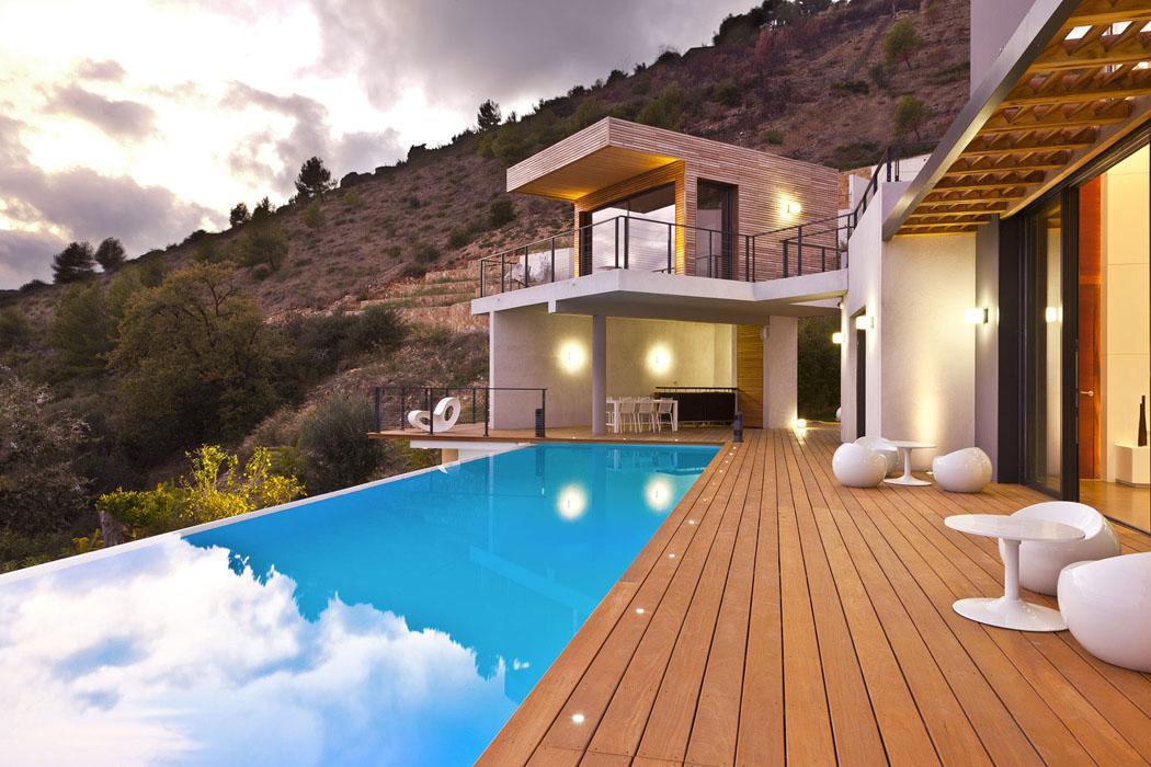 Belle Villa De Luxe Avec Vue Sur Monaco. Maison Du0027architecte ...