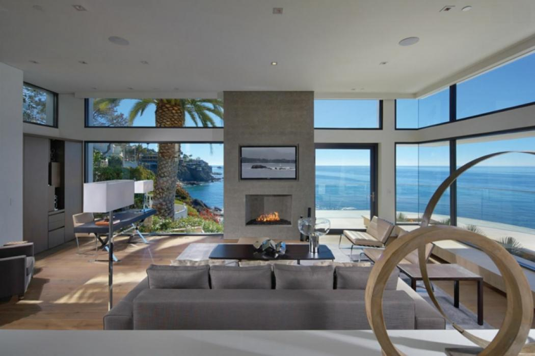 Tr s belle maison avec vue sublime en californie vivons for Belle maison moderne interieur