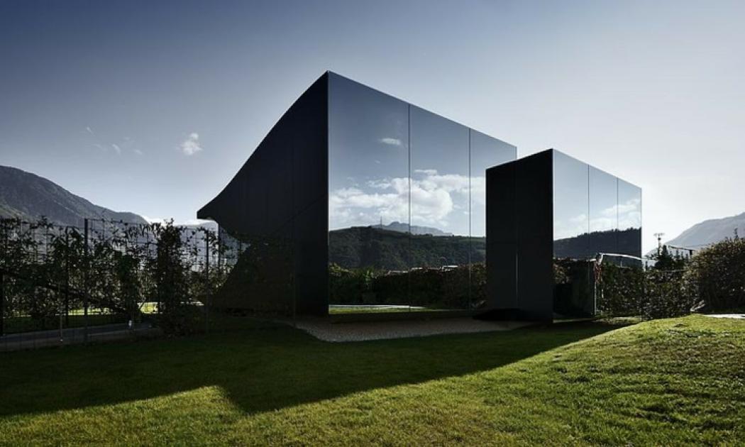 unique maison d'architecte mirroir