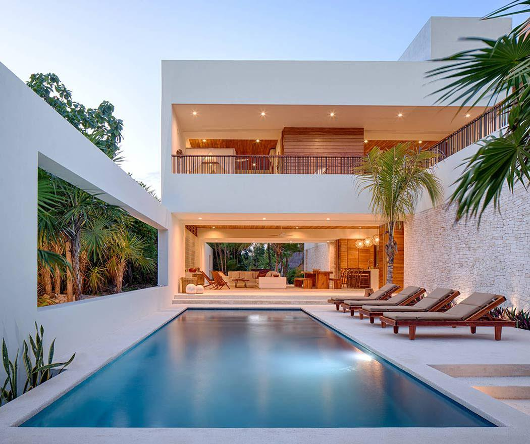 Superbe villa contemporaine louer avec magnifique vue for Architecture de villa moderne