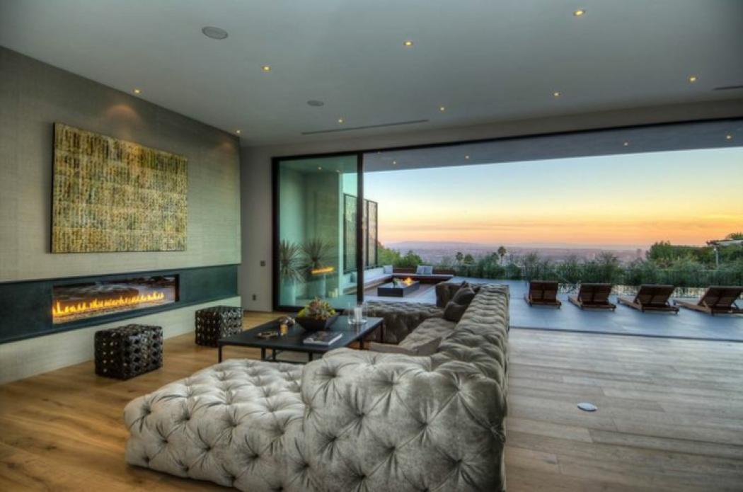 villa moderne en haut de la colline vivons maison. Black Bedroom Furniture Sets. Home Design Ideas