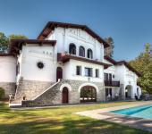 Belle maison traditionnelle basque rénovée
