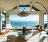 Maison contemporaine avec vue sur la mer