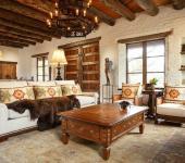 maison unique intérieur bois brut massif