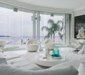 Luxueuse maison de vacances familiale design en blanc