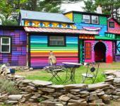 maison originale aux mille couleurs