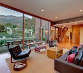 Salon moderne en bois à l'ambiance familiale