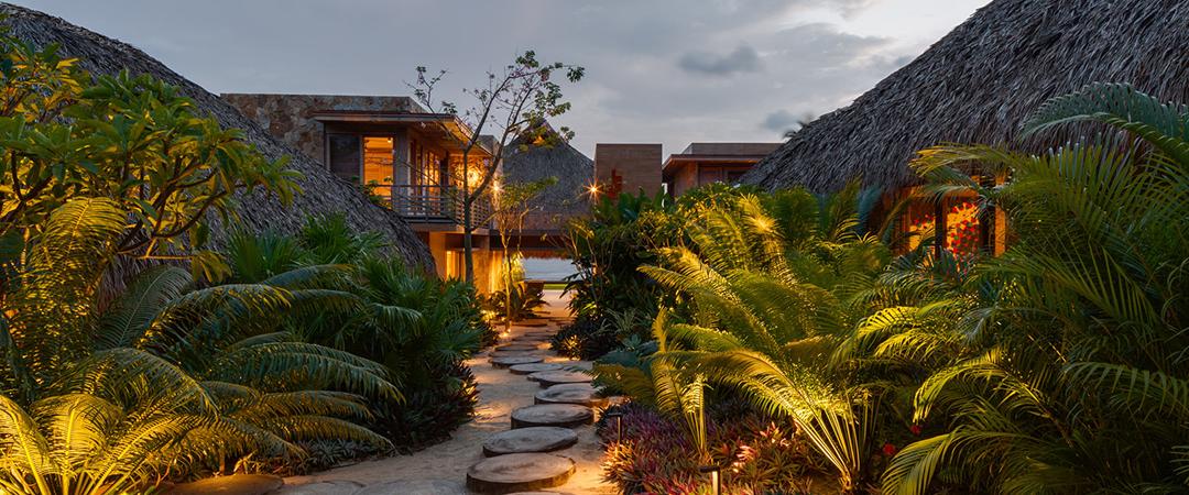 maison mexicaine belle maison secondaire au design exotique sur la cte mexicaine with maison. Black Bedroom Furniture Sets. Home Design Ideas