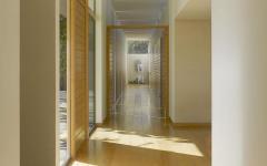 intérieur en bois massif moderne
