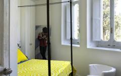 chambre épurée intérieur design vacances à capri italie