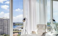 grandes baies vitrées vue sur la ville