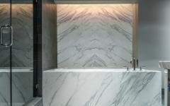 baignoire marbre blanc gris