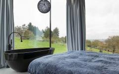 baignoire design dans chambre à coucher