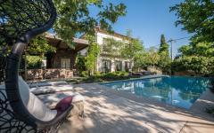 piscine extérieure maison rustique familiale individuelle