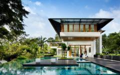 belle piscine verre transparent maison de standing