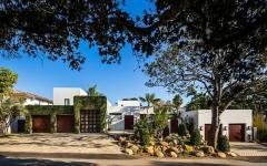 maison d'architecte originale moderne vue depuis la rue