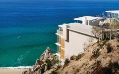 grande résidence de vacances avec vue sur la mer