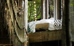 maison dans les arbre en bois