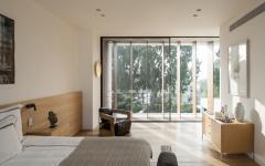Chambre spacieuse minimaliste et épurée