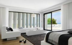suite lit double en noir et blanc luxe villa de vacances