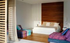 chambre ameublement minimaliste vue sur mer