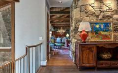étage murs en pierres style rustique
