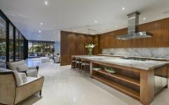 grande cuisine ouverte bois massif placards